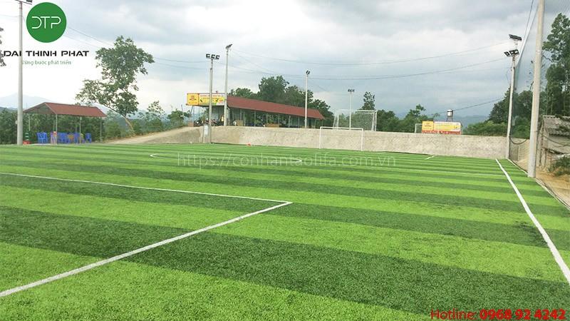 Những loại cỏ nhân tạo sân bóng đá hiện nay. Những lưu ý khi chọn cỏ sân bóng.