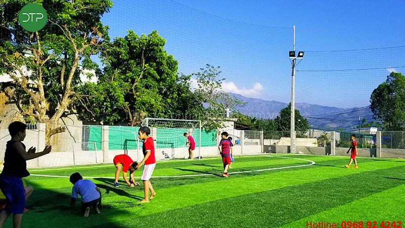 Thủ tục đăng ký và kinh nghiệm làm giàu từ kinh doanh sân bóng đá cỏ nhân tạo cần phải lưu ý điều gì?