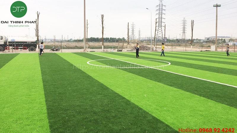 Diện tích đất bao nhiêu thì phù hợp kinh doanh sân bóng cỏ nhân tạo?